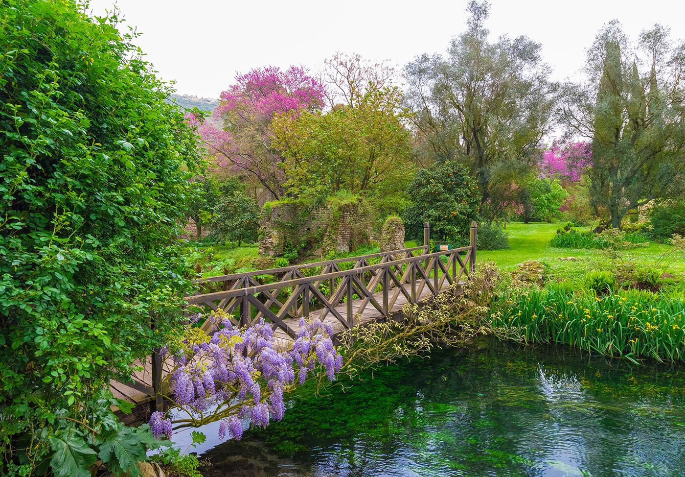 Giardini-di-Ninfa-Italia-2