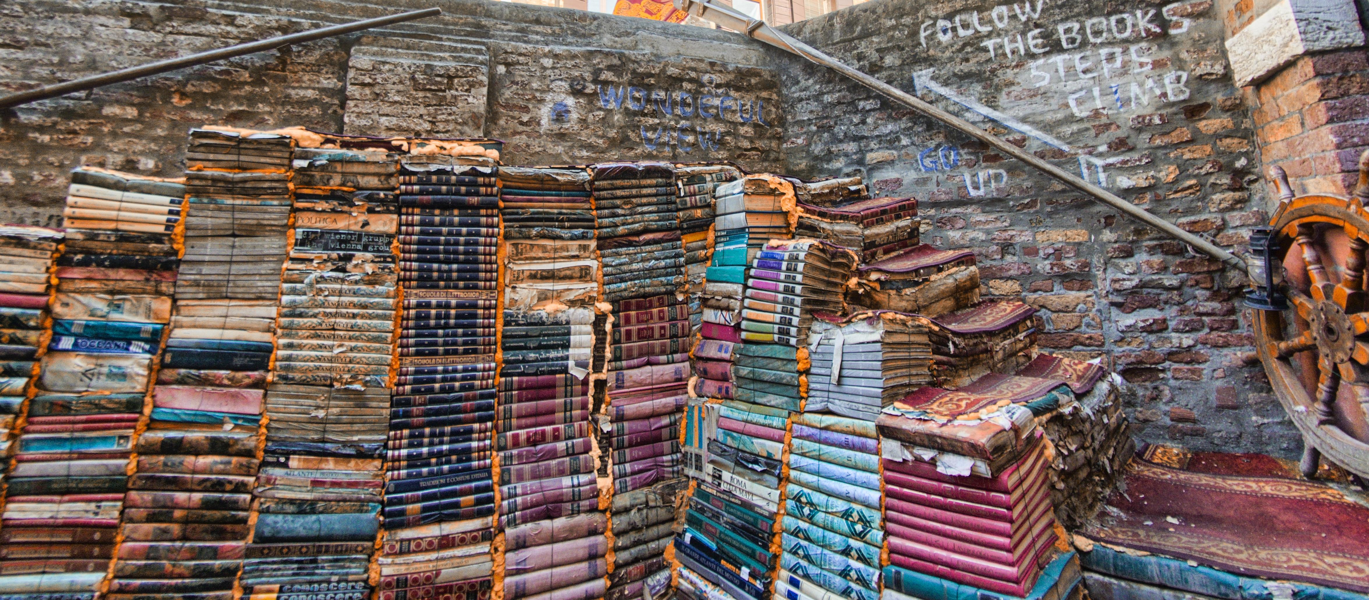 Acqua Alta, la libreria tra i canali di Venezia
